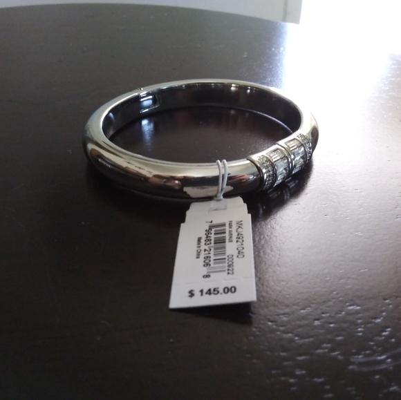 Michael Kors Jewelry - MICHALE KORS bracelet